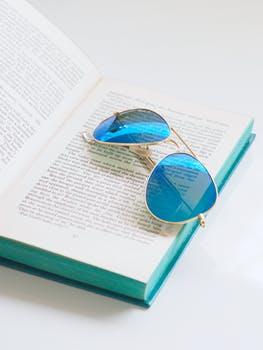 blus bk n glasses.jpeg